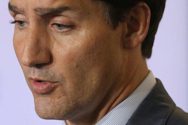 """Canada: Trudeau rattrapé par une vieille photo de """"blackface"""""""
