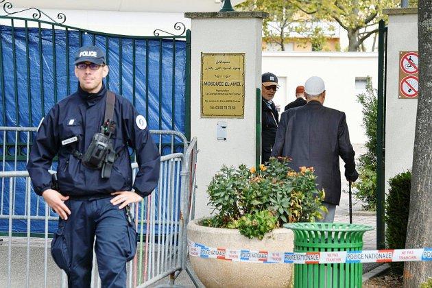 Attaque de la mosquée de Colmar: le conducteur hospitalisé, un drame évité
