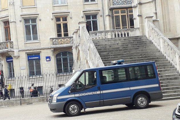 À Rouen, il est surpris en plein cambriolage
