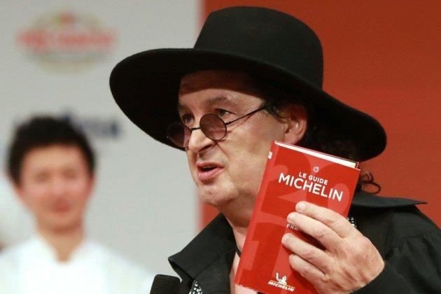 Suppression de sa 3e étoile: Marc Veyrat attaque le guide Michelin en justice