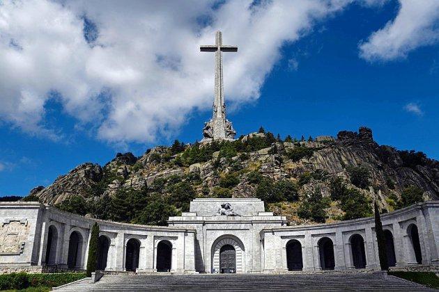 Exhumer Franco de son mausolée? La Cour suprême tranche en Espagne