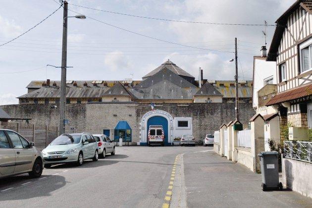 Maison d'arrêt de Caen: un détenu retrouvé mort dans sa cellule