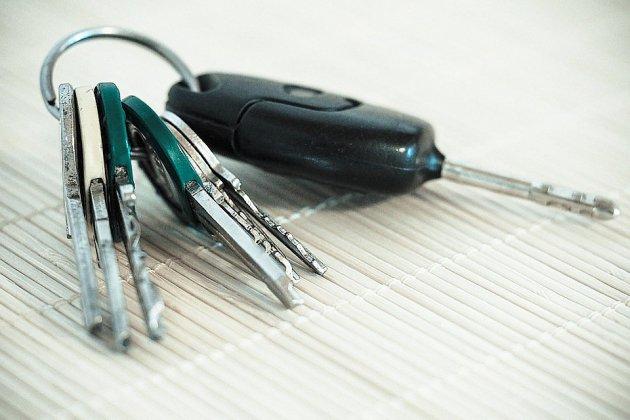 Le Havre: il tente d'acheter une voiture avec un chèque de banque volé