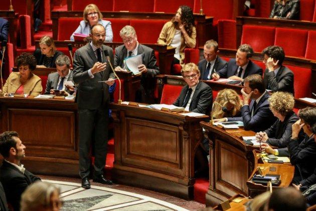 """Incendie Rouen: """"L'engagement du gouvernement est de faire la transparence totale"""", affirme Edouard Philippe"""