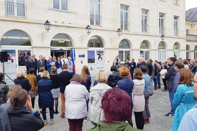 Hommage à Jacques Chirac: une minute de silence au Conseil départemental de la Manche