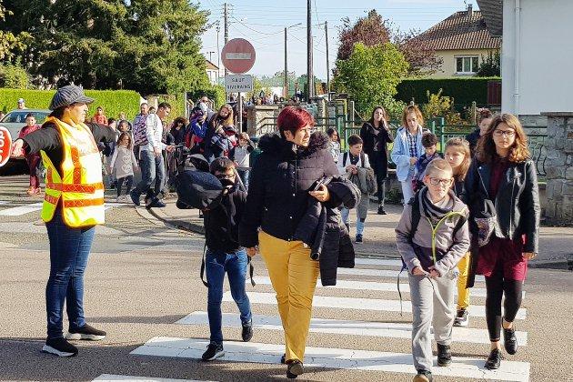 L'Aigle: des agents de sécurité à la sortie des écoles