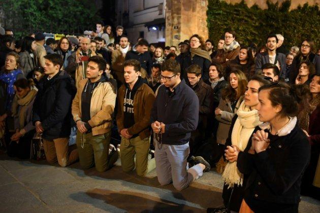 """Six mois après, des fidèles catholiques """"en manque"""" de Notre-Dame"""