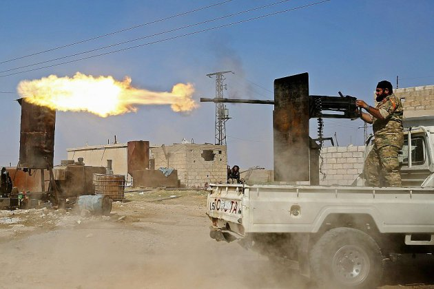 Syrie: les forces turques progressent face aux Kurdes, des familles de l'EI fuient