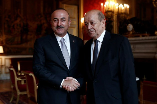 Le chef de la diplomatie Le Drian annule sa présence au match France-Turquie