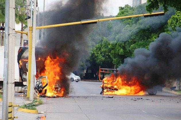 """Mexique: bataille rangée en pleine ville après l'arrestation d'un fils d'""""El Chapo"""""""