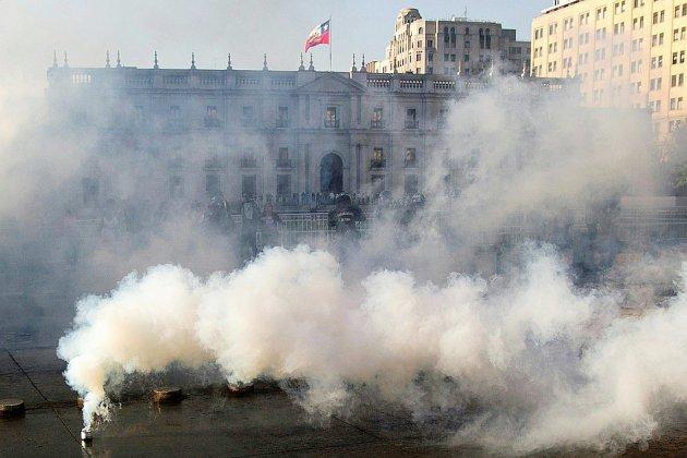 Chili: état d'urgence après de violentes manifestations dues à la hausse du prix du métro