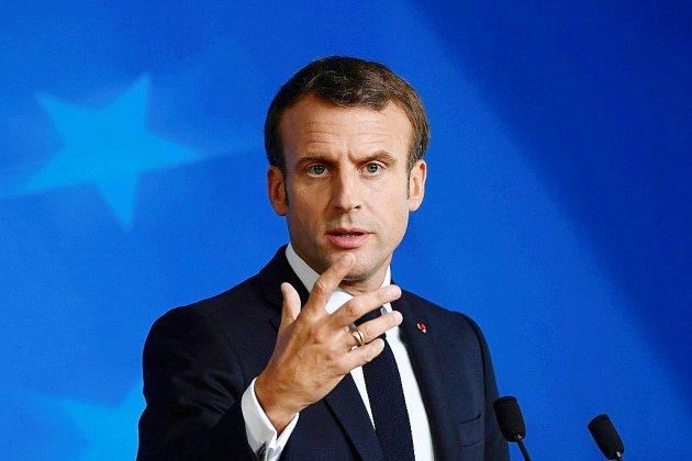 Emmanuel Macron arrive à Mayotte, attendu sur l'immigration clandestine