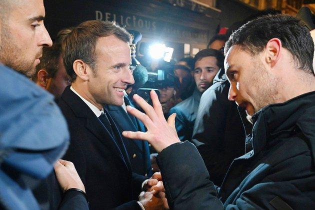 """A Rouen, Macron salue """"la compétence"""" les services de l'Etat après l'incendie de Lubrizol"""