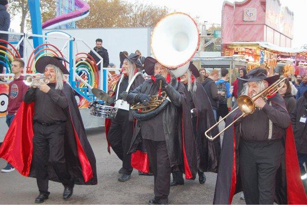 [photos] Monstres et zombies à la Foire Saint-Romain!