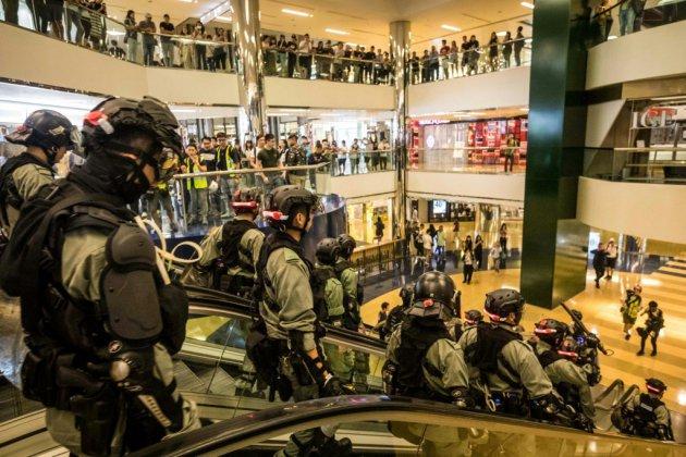 Hong Kong: nouvelle journée émaillée d'incidents, cinq blessés