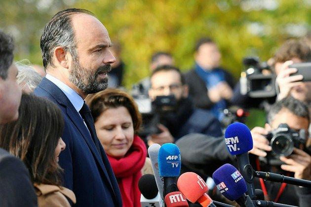 """Chanteloup: Philippe fustige des """"irresponsables"""", la droite l'accuse de miniminer des """"actes criminels"""""""