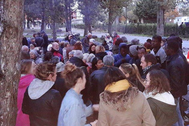 Des gaz lacrymogènes tirés sur un camp de migrants