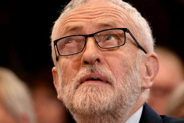 Grande-Bretagne: difficile début de campagne pour Corbyn
