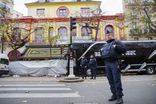 """Attentats du 13 novembre: """"La vie l'emporte"""", assure Philippe Duperron"""