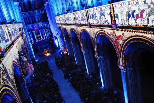 La cathédrale s'illumine pour les fêtes