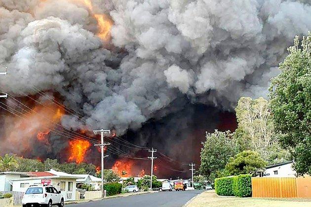 Des dizaines de feux dans l'est de l'Australie, au moins deux morts