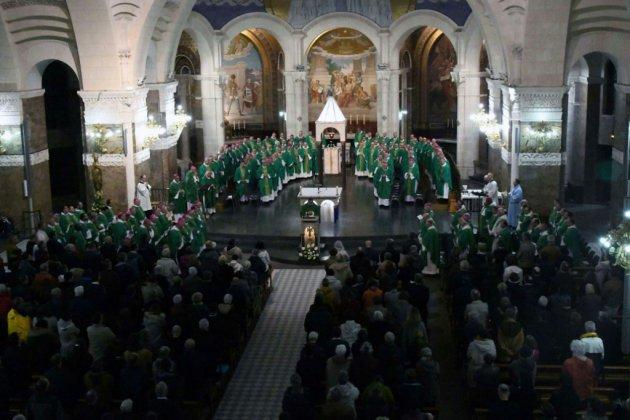 """Les évêques votent le principe d'une """"somme forfaitaire"""" pour les victimes des prêtres pédocriminels"""