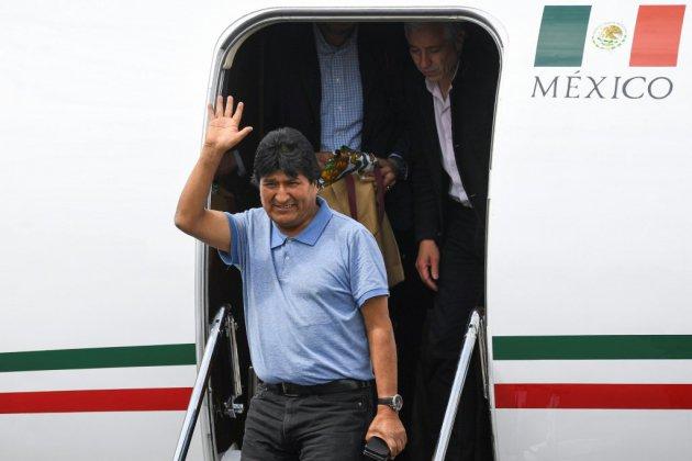"""Bolivie: Evo Morales atterrit au Mexique et promet de """"continuer la lutte"""""""