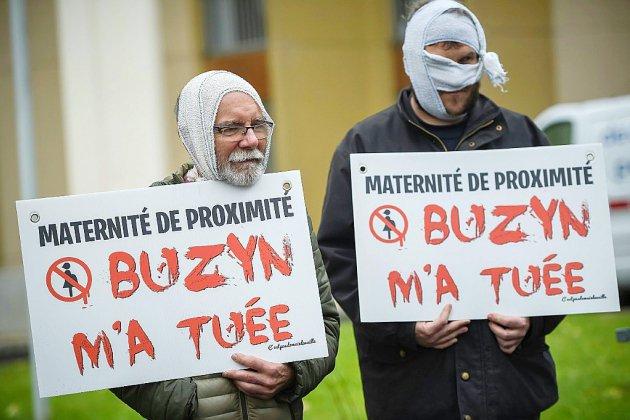 """Hôpital: après 8 mois de grève, le gouvernement dévoile son """"plan d'urgence"""""""