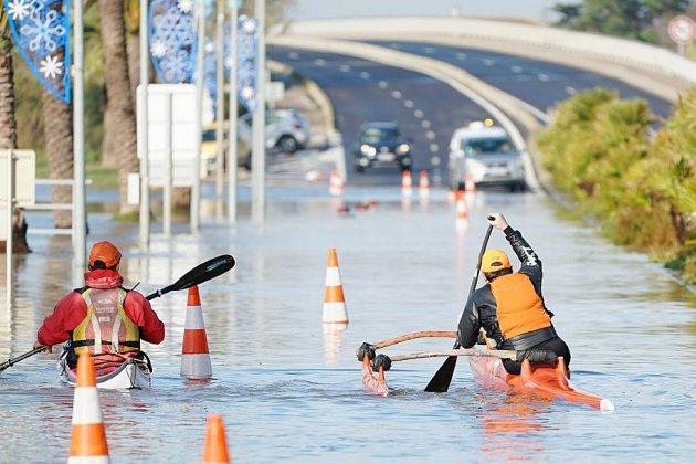 Fortes inondations sur la Côte d'Azur: deux disparus et au moins deux blessés