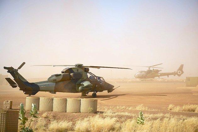 Mali: treize militaires français tués dans une collision d'hélicoptères
