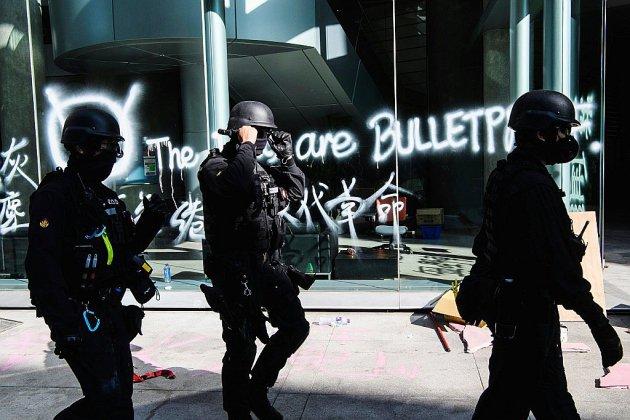 Hong Kong: la police pénètre sur le campus de l'université après son siège