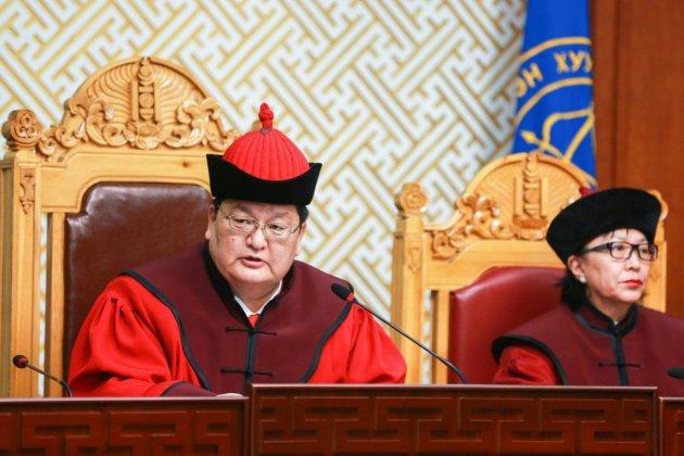 Harcèlement: le juge, l'hôtesse de l'air et le calvaire des Mongoles