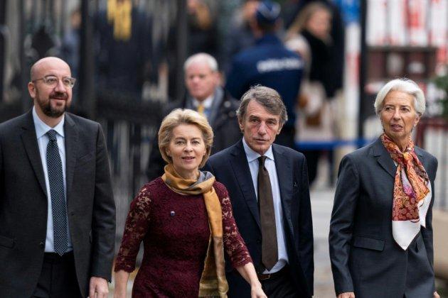 Ursula Von der Leyen, une proche de Merkel adoubée par Macron