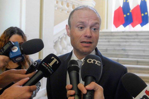 Meurtre d'une journaliste maltaise: Muscat reste en poste, soutenu par ses troupes