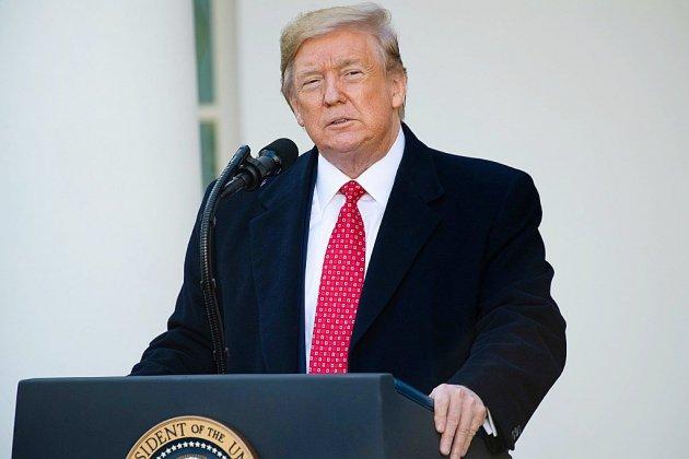 """Destitution: des """"preuves accablantes"""" contre Trump, selon le rapport officiel"""