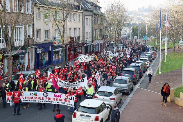 Réforme des retraites: 1 300 manifestants à Saint-Lô