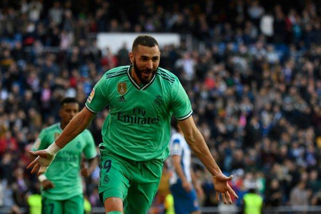 Espagne: le Real Madrid, estropié mais vainqueur, passe premier
