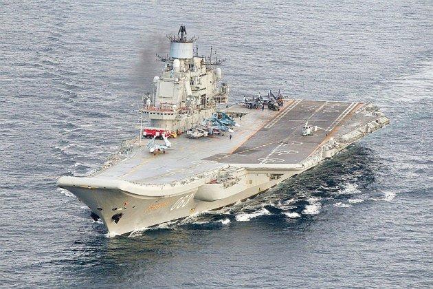 Incendie à bord de l'unique porte-avions russe