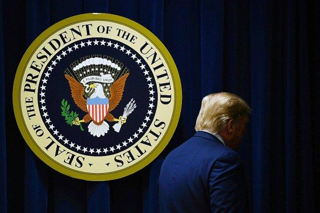 Trump vante son bilan et part en Floride, deux jours après l'impeachment