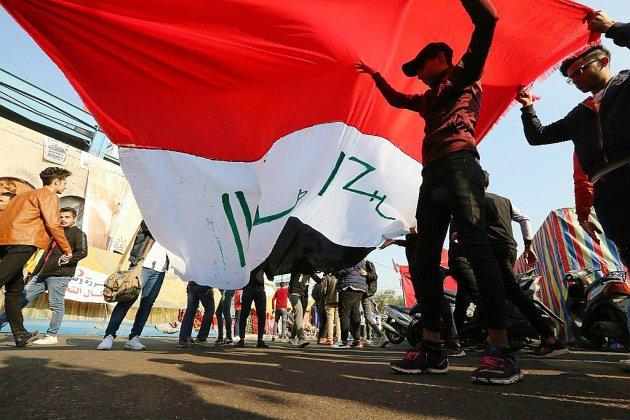 Irak: la rue hausse le ton face au pouvoir en plein marasme et sous pression de l'Iran