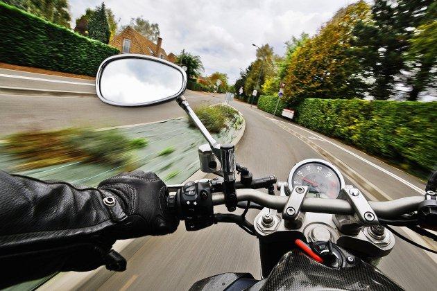 Un jeune homme perd la vie dans un accident de moto