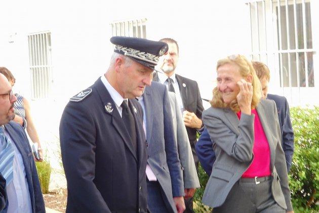 La ministre annonce des renforts en personnels au centre pénitentiaire