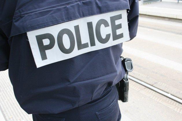 Un policier blessé lors d'une manifestation