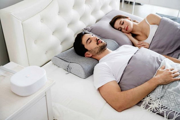 Un oreiller anti-ronflements, le Motion Pillow