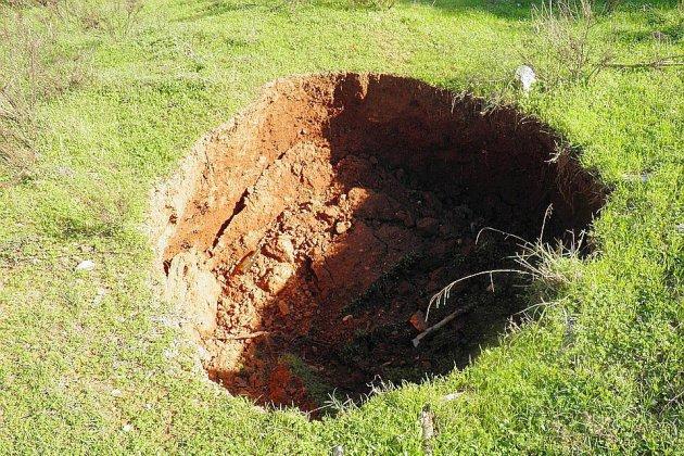Une cavité de 2 m de profondeur