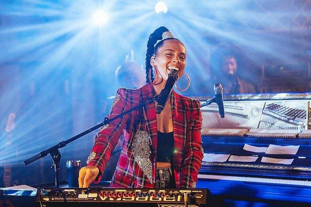 La chanteuse Alicia Keys décale la sortie de son nouvel album