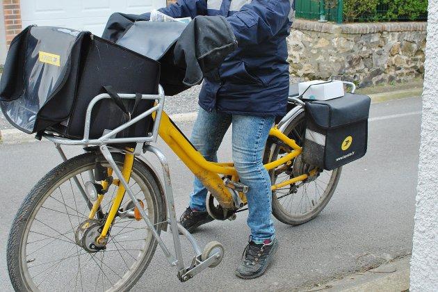 La Poste réduit la distribution du courrier en Normandie