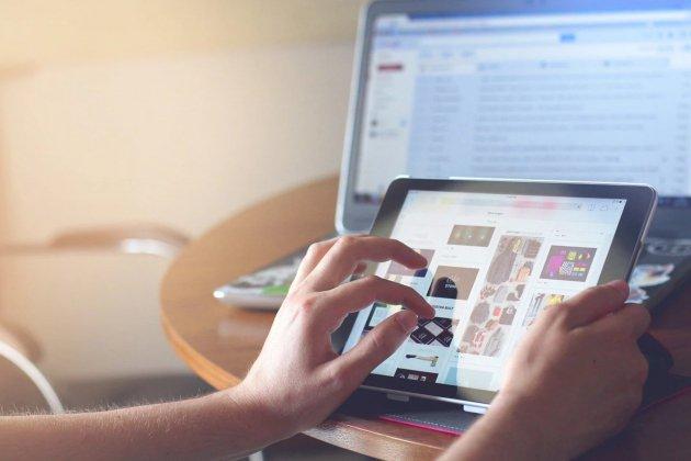 Lutter contre la fracture numérique pendant le confinement