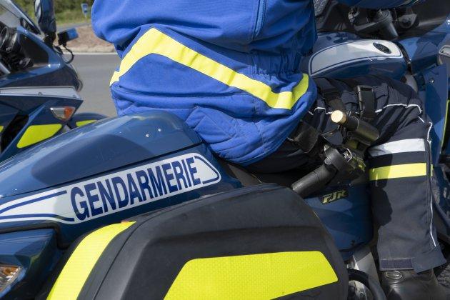 Un motard prend la fuite sur l'A13 à la vue des gendarmes