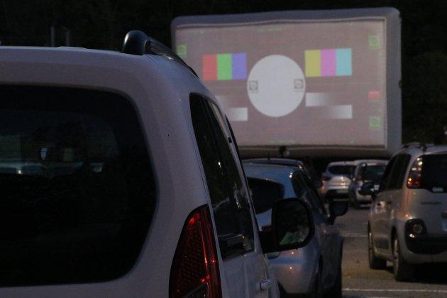 """""""C'est un concept qu'on voit dans les films"""" : le Drive-in fait des adeptes"""
